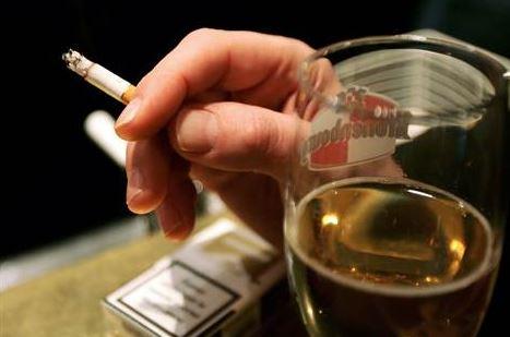 adicción a los cigarrillos y el alcohol