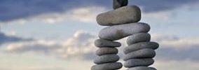 ¿Qué causa un aumento en el punto de equilibrio?